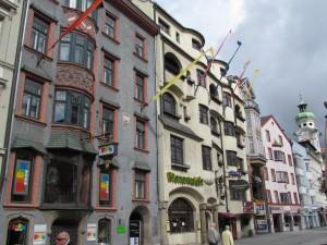 Kamienice na Maria-Theresien-Straße w Innsbrucku w Austrii