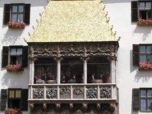 Muzycy w Goldenes-Dachl w Innsbrucku w Austrii