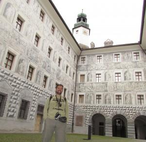 Dziedziniec zamku górnego Ambras w Innsbrucku w Austrii