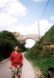 Most pozostały z zamku w Ossolinie