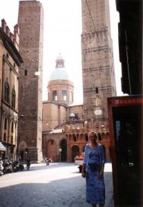 Le due torri pendenti, czyli dwie krzywe wieże w Bolonii we Włoszech