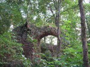 Ruiny zamku w Jelczu-Laskowicach