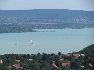 Widok na Balaton z Półwyspu Tihany na Węgrzech