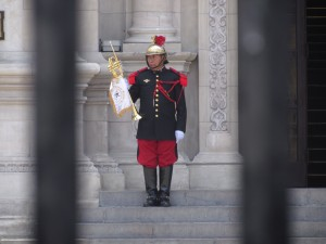 Defilada na Plaza de Armas