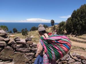 Indianka na Wyspie Taquile na Jeziorze Titicaca
