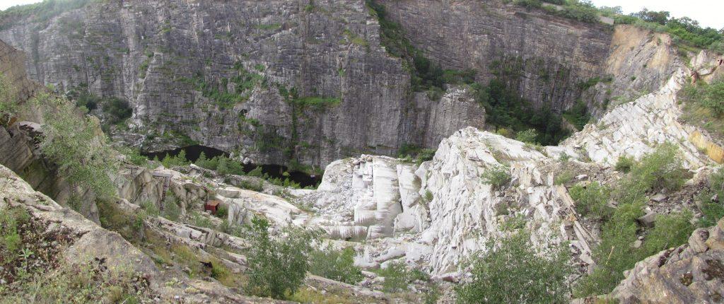 Kamieniołom granitu w Strzelinie