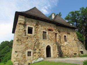 Dwór obronny w Wieruszycach