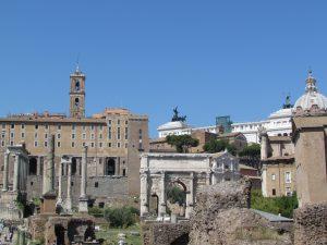 Forum Romanum, a w tle Kapitol