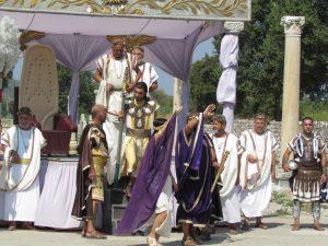 Przedstawienie na ruinach starożytnego Efezu
