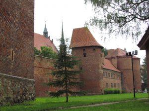 Warowny zespół katedralny we Fromborku