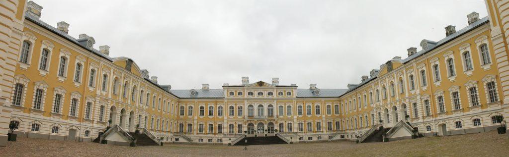 Pałac w Pilsrundāle na Łotwie