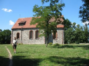 Kościół romański w Radowie
