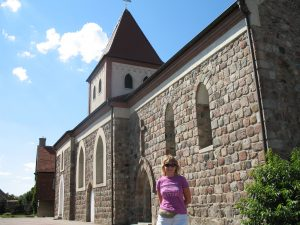 Kościół romański w Kowalowie