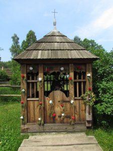 Kapliczka w skansenie w Kolbuszowej