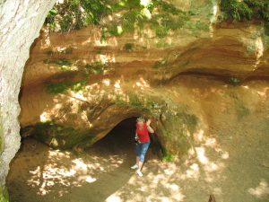 Jaskinia Velna ala w Dolinie Salacy na Łotwie