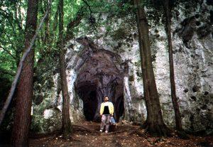 Jaskinia pod zamkiem w Ostrężniku