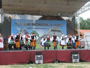 Zespol ludowy Kasztelanka w Skansenie w Sierpcu