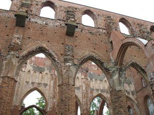 Ruiny katedry Św. Św. Piotra i Pawła w Tartu w Estonii