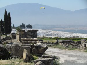 Nekropolia rzymska w starożytnym Hierapolis w Pamukkale