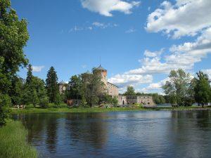 Zamek Olavinlinna w Savonlinna w Finlandii