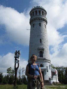 Wieża widokowa na szczycie Wielkiej Sowy