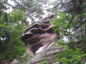 Czartowskie skały w Różanej