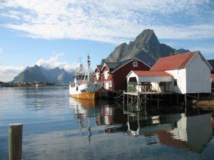 Reine na Lofotach w Norwegii