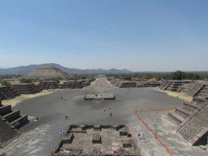 Widok z Piramidy Księżyca - Teotihuacan