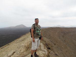 Na krawędzi wulkanu Montaña Blanca na Lanzarote