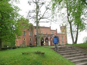 Zamek neogotycki w Karnitach