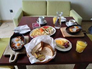 Śniadanie w Hotelu Kryształ