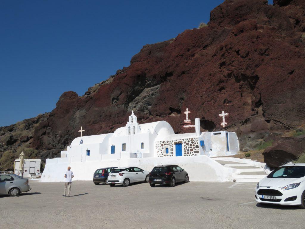 Malowniczy kościół w drodze do Red Beach