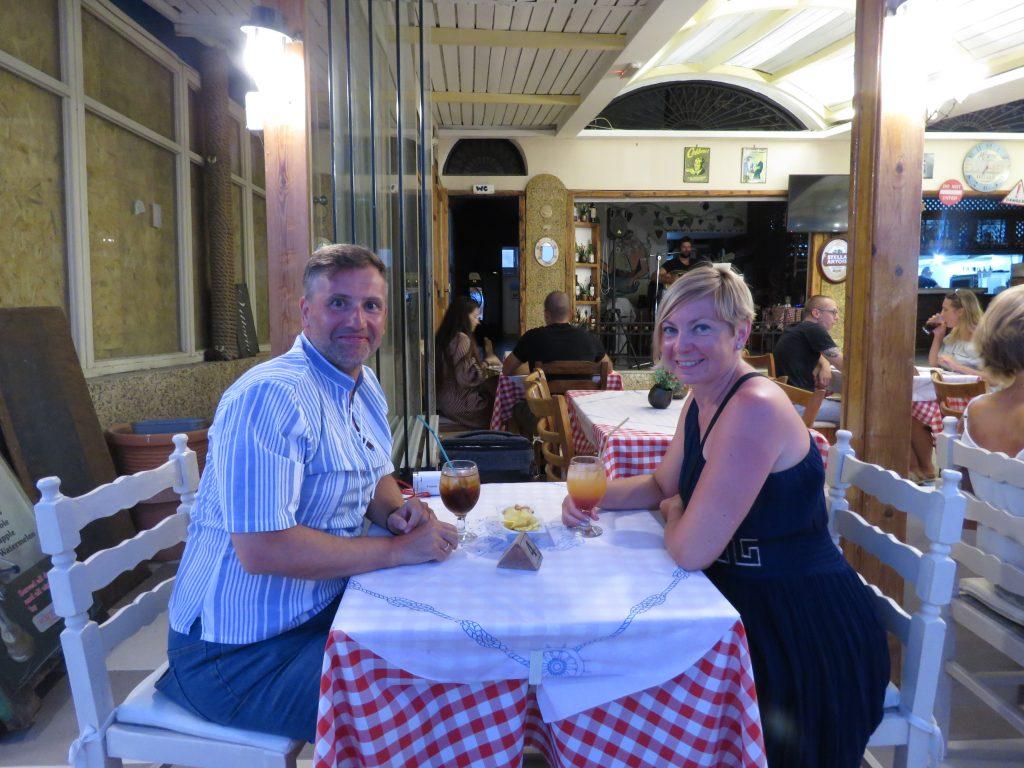 Grecki wieczór w Perissa Tavern