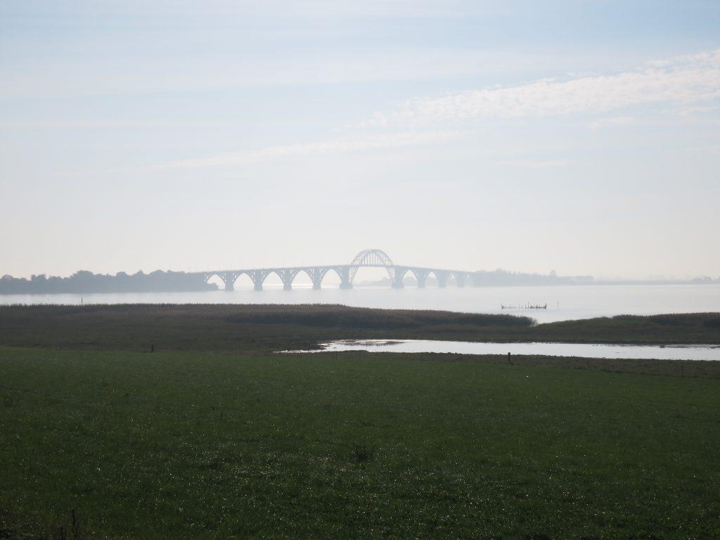 Wszechobecne mosty łączące duńskie wyspy - na zdjęciu most łączący Zelandię z wyspą Møn
