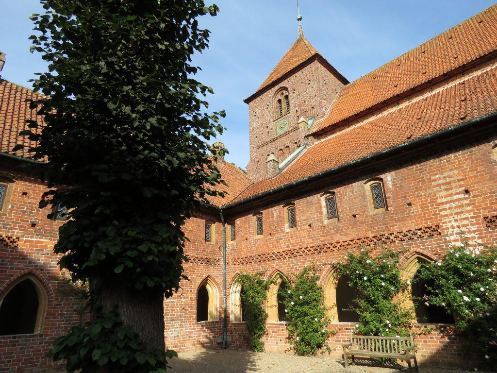 Wirydarz klasztoru dominikanów w Ribe