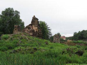 Pozostałości zamku w Kłaczynie