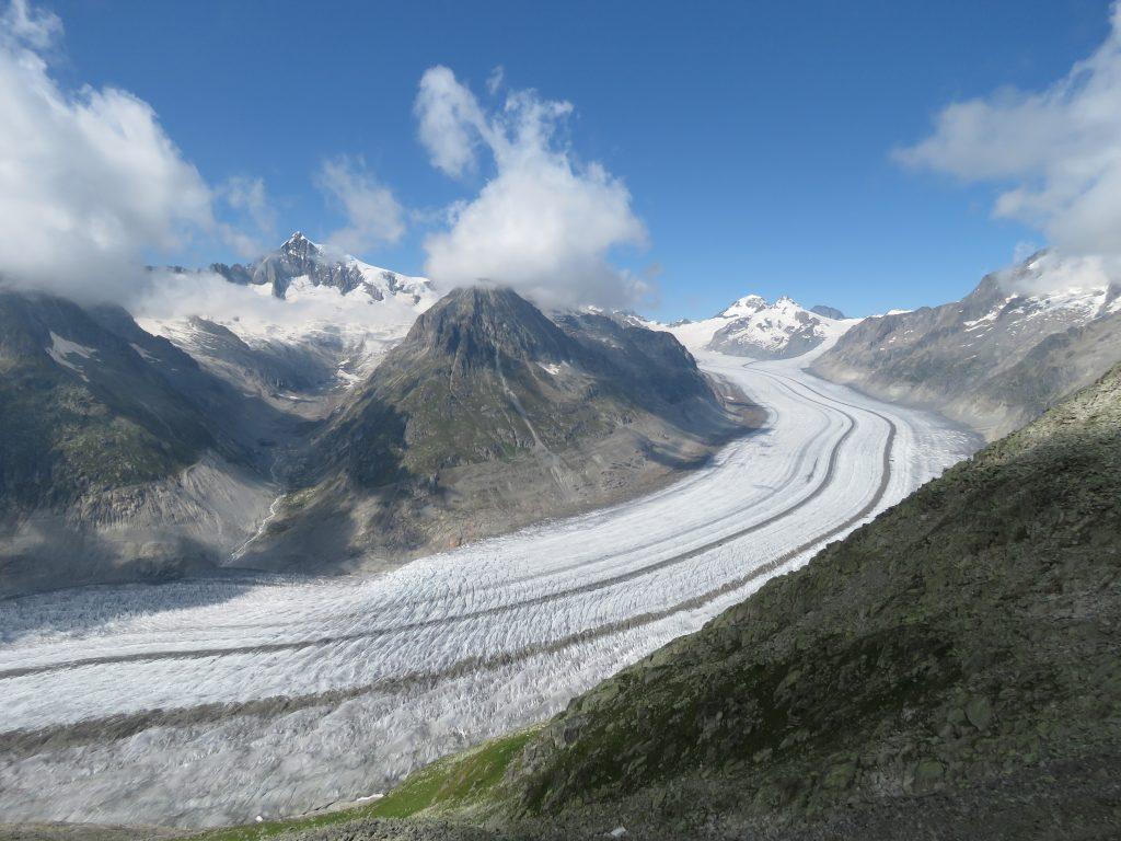 Widok na Aletschgletscher z punktu widokowego Fiescheralp
